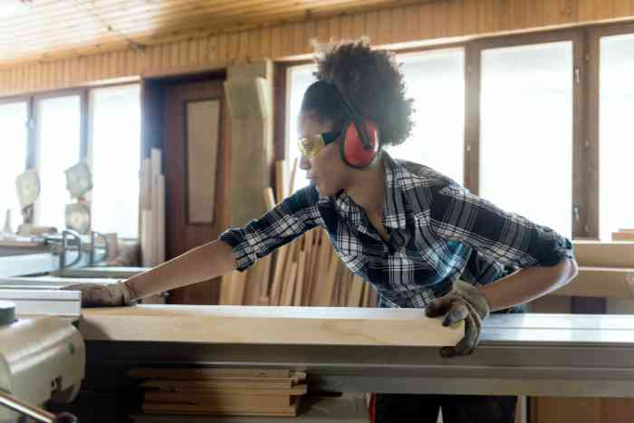 /content/dam/amplifon-america/us/content-factory/photos/lifestyle/stock/woman_working_wood.jpg